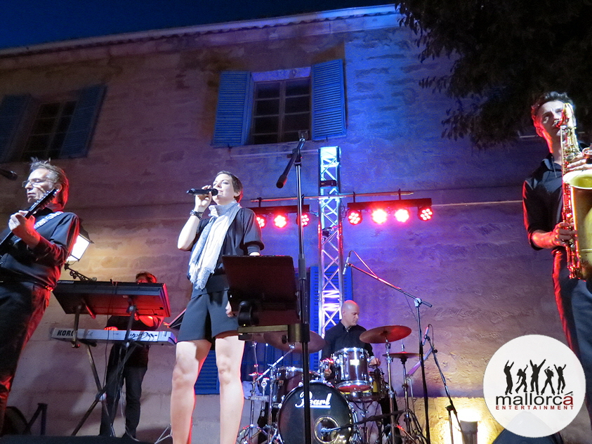 DELUXE PARTYBAND MALLORCA   /YOUR PROFESSIONAL LIVE BAND IN MALLORCA